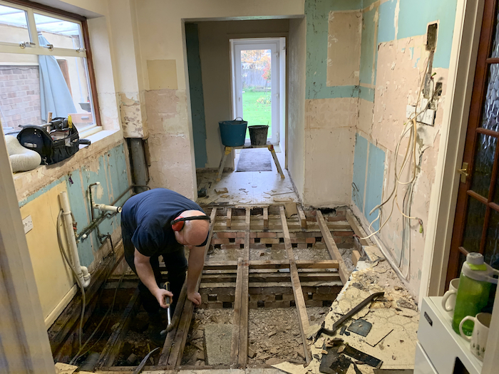 builders-in-oxford-kitchen-floor-and-wall-renovation-01